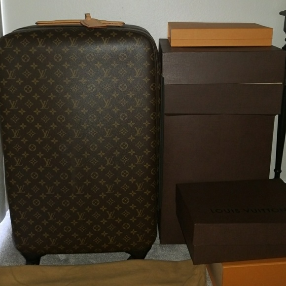 1e19c4a105e4 Louis Vuitton Handbags - Authentic Louis Vuitton Zephyr 70 Luggage